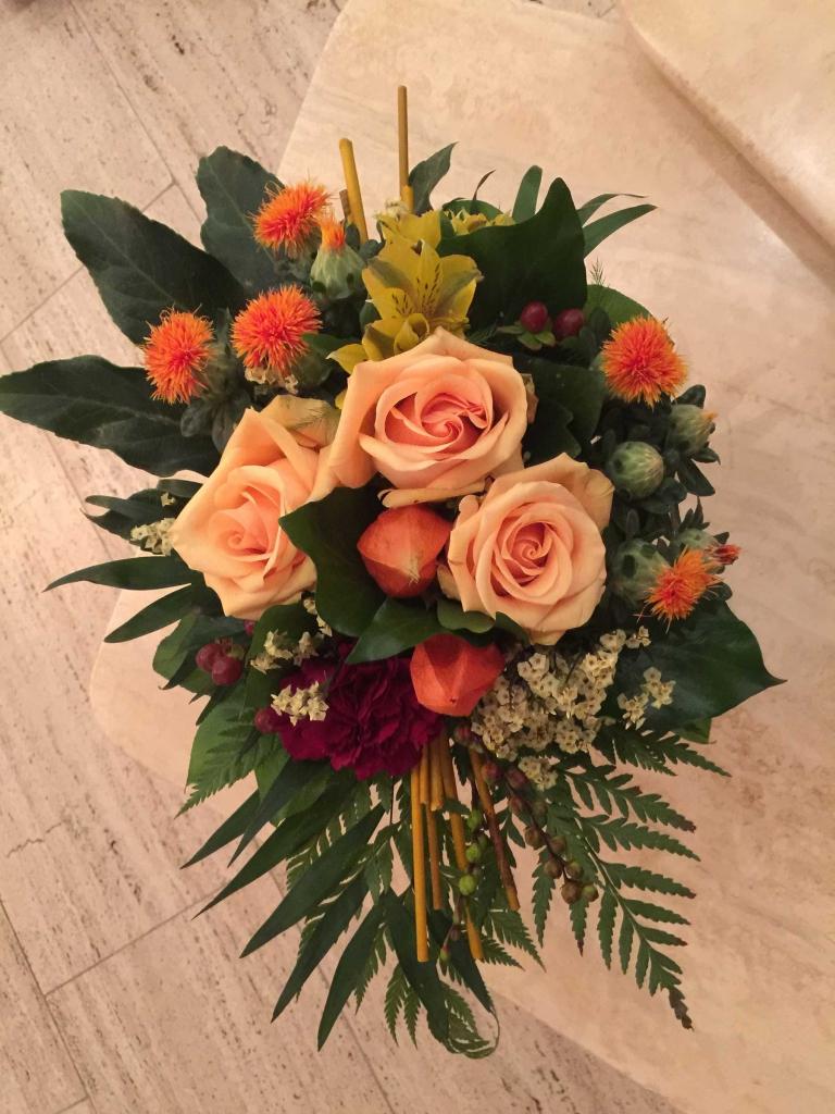 diesen tollen Blumenstrauss habe ich von meinem Schatz bekommen, als Dank dass alles gut gegangen ist